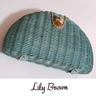 リリーブラウン(Lily Brown)のリリーブラウン カゴババッグ クランチ 水色 パーティー ハンドバッグ 美品(クラッチバッグ)