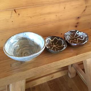 てぃ~こ様専用です❣️新品未使用❣️沖縄小皿 和テイスト珈琲茶碗❣️(食器)