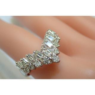 ■Pt900 V字 ダイヤモンドリング1.51ct■ゴージャス ☆キラキラ☆■(リング(指輪))