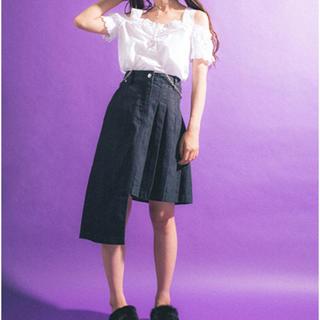 セブンパーセントモアピンク(7% more PINK)のデニムスカート(ひざ丈スカート)