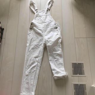 ジーユー(GU)の着用1回 サロペット オールインワン オーバーオール 白 ホワイト パンツ S(サロペット/オーバーオール)
