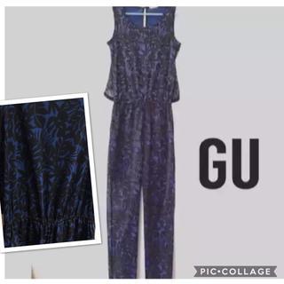 ジーユー(GU)の▶︎GU ボタニカル柄 サロペット ブルー オールインワン S(サロペット/オーバーオール)