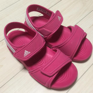 アディダス(adidas)のadidas 人気の水陸両用サンダル ピンク 女の子16cm(サンダル)