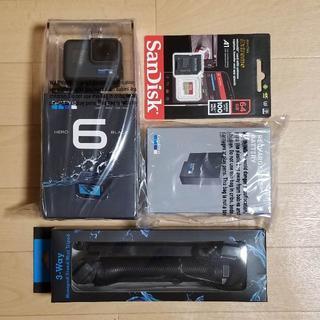 ゴープロ(GoPro)のHERO6 SDカード バッテリー 自撮り棒セット(ビデオカメラ)