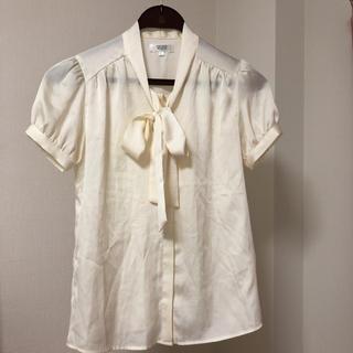 アオヤマ(青山)のAnchor woman 半袖 白ブラウス  (シャツ/ブラウス(半袖/袖なし))