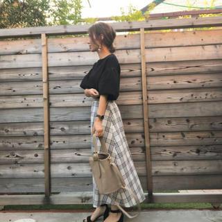 ジーユー(GU)のチェックフレアロングスカート(ロングスカート)