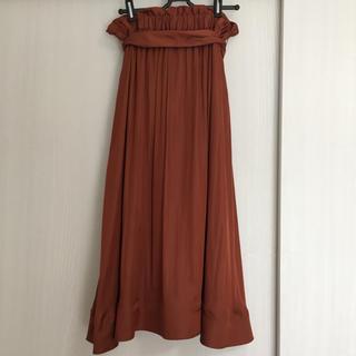 ミラオーウェン(Mila Owen)のMilaOwen 赤茶 レンガ色 茶色 ロングスカート サテン地風(ロングスカート)
