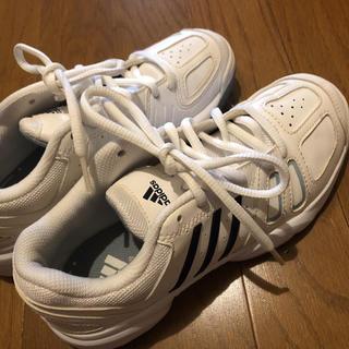 アディダス(adidas)のアディダス、スニーカー 21.5くらいの方に(スニーカー)