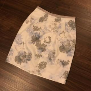 ジャスグリッティー(JUSGLITTY)の花柄スカート♡(ひざ丈スカート)