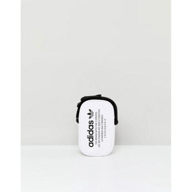 adidas(アディダス)の送料込み adidas(アディダス) ポシェット ボディバッグ 肩掛け ホワイト メンズのバッグ(ショルダーバッグ)の商品写真