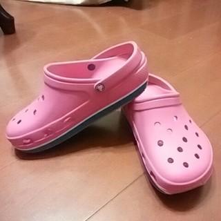 クロックス(crocs)のあきぽんさま専用!    crocs ピンク色(サンダル)