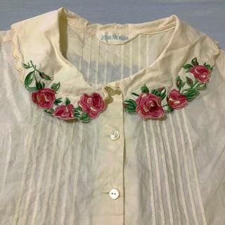 ジェーンマープル(JaneMarple)のローズ刺繍半袖ブラウス(シャツ/ブラウス(半袖/袖なし))