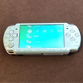 プレイステーションポータブル(PlayStation Portable)のPSP2000(携帯用ゲーム本体)