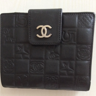 CHANEL - CHANEL二つ折り財布
