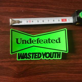 アンディフィーテッド(UNDEFEATED)のundefeated wasted youth コラボステッカー(その他)