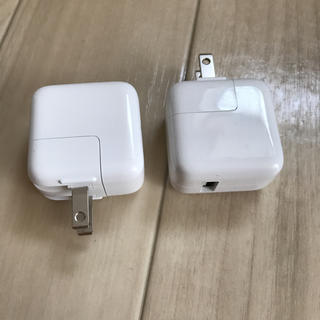 アップル(Apple)のapple純正 ipad mini USB充電器 10W 2.1A iphone(バッテリー/充電器)