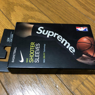 シュプリーム(Supreme)のsupreme nike shooter sleeves スリーブ S/M (その他)