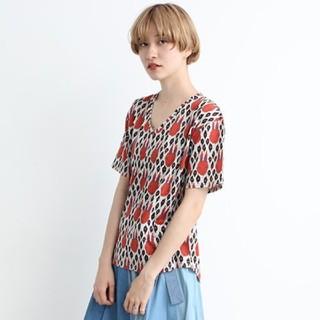 アトリエドゥサボン(l'atelier du savon)のぶれうさプリント VネックTシャツ(Tシャツ/カットソー(半袖/袖なし))