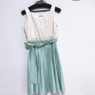 エメ(AIMER)のAIMER レース シャンタンスカートドレス (ライムグリーン)(ミディアムドレス)