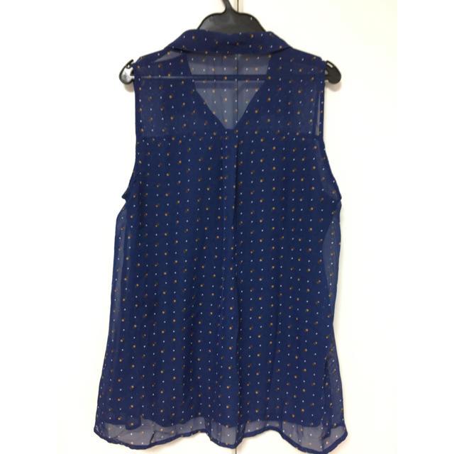GU(ジーユー)の美品!ジーユー♡ノースリーブシャツ レディースのトップス(シャツ/ブラウス(半袖/袖なし))の商品写真