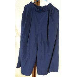 ジーユー(GU)の【美品】GU ワイドパンツ 紺 ガウチョパンツ Sサイズ ポケットあり(カジュアルパンツ)