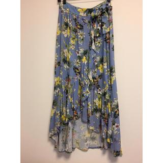 ザラ(ZARA)の新品タグ付き ストラディバリウス 花柄ロングスカート☆(ロングスカート)