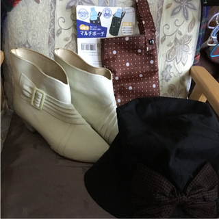 レインブーツ❣️特殊ゴム、日本製、24.5❣️接触冷感帽子、黒.57.5cm❣️(レインブーツ/長靴)