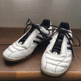 アディダス(adidas)のadidas♡  フットサルシューズ  23.5(シューズ)