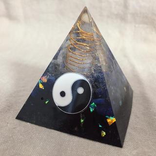宇宙の調和とバランス 統合✴︎陰陽&六芒星のオルゴナイト ピラミッド型(置物)