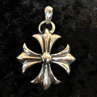 クロムハーツ(Chrome Hearts)の正十字架ペンダントクロムハーツ好きに(ネックレス)