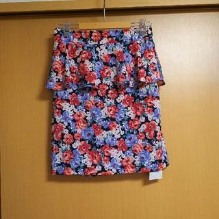 フーズフーチコ(who's who Chico)のフーズフーチコ*花柄ペプラムタイトスカート(ミニスカート)