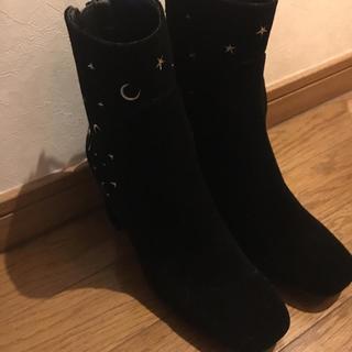 ジーユー(GU)のセーラームーン GU 黒ブーツ Mサイズ(ブーツ)