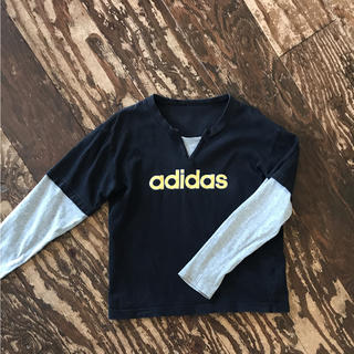 アディダス(adidas)のadidas ロンT(Tシャツ/カットソー)