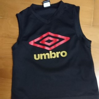 アンブロ(UMBRO)のumbro ノースリーブシャツ 黒 140センチ(Tシャツ/カットソー)