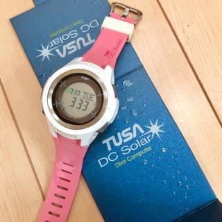 ツサ(TUSA)の(美品)TUSA DC Solar ダイブコンピューター2016限定色ピンク(マリン/スイミング)