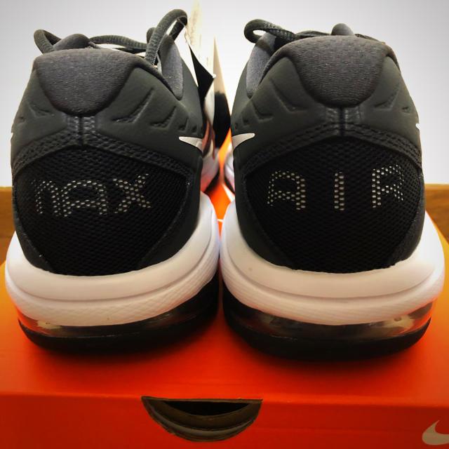 NIKE(ナイキ)のNIKE ナイキ 新品 AIR MAX full ride TR 26.5 メンズの靴/シューズ(スニーカー)の商品写真