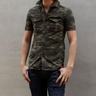 エイケイエム(AKM)の定価28080円 AKM ストレッチカモフラミリタリーシャツ wjk(シャツ)