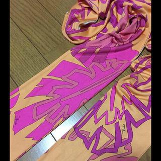 エミリオプッチ(EMILIO PUCCI)のエミリオプッチ☆ピンクオレンジ!フリンジ付きシルクストール/プッチ柄(ストール/パシュミナ)