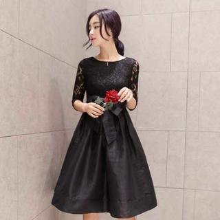 刺繍レース ワンピース  Mサイズ 7分袖 フレアスカート ブラック(ミディアムドレス)