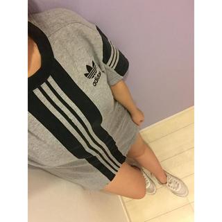 アディダス(adidas)の値下げ交渉あり‼️アディダスオリジナルス 90s ロゴ刺繍 ライン Tシャツ(Tシャツ/カットソー(半袖/袖なし))