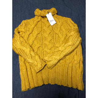 ザラ(ZARA)のZara ザラ ニット タートルネック セーター黄色 新品Mサイズ(ニット/セーター)
