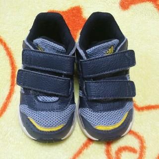 アディダス(adidas)の【13㎝ 送料込】adidas キッズ スニーカー 中古(スニーカー)