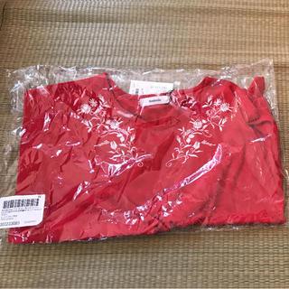 アンデミュウ(Andemiu)の刺繍カットソー 赤(カットソー(半袖/袖なし))