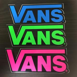 VANS - 【縦4cm横4.5cm】VANS ステッカー
