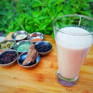 7種類のスパイス 本格的チャイキット(5パック入り)(茶)