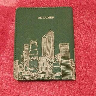 ドゥラメール(DE LA MER)のドゥラメール パスポートケース(旅行用品)