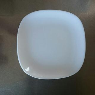 ヤマザキセイパン(山崎製パン)のさくら様専用 白四角皿7枚未使用です(食器)
