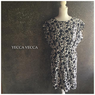イェッカヴェッカ(YECCA VECCA)のYECCA VECCA☆タックフラワーワンピース(ひざ丈ワンピース)