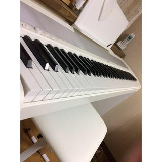 コルグ(KORG)のKORG B-1 木製スタンド、譜面立て、ペダル付き 電子ピアノ 超美品(電子ピアノ)