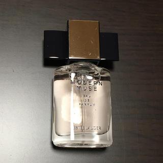エスティローダー(Estee Lauder)のエスティローダー 香水 モダンミューズ 4ml(香水(女性用))